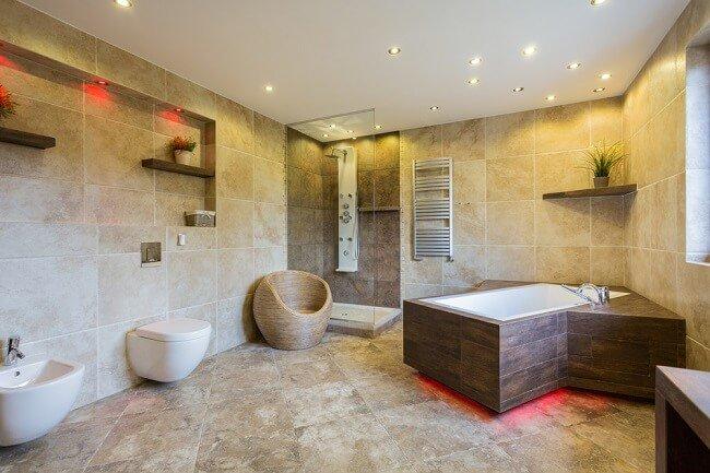 Voorbeelden van grote landelijke badkamers