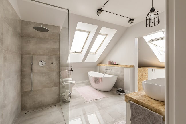 2. Dakkapel in de badkamer