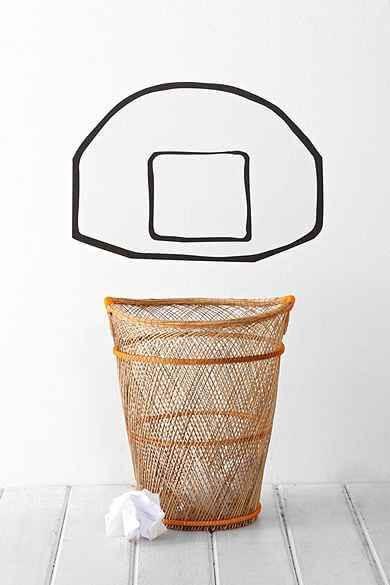 Basketbalnet op de muur geschilderd
