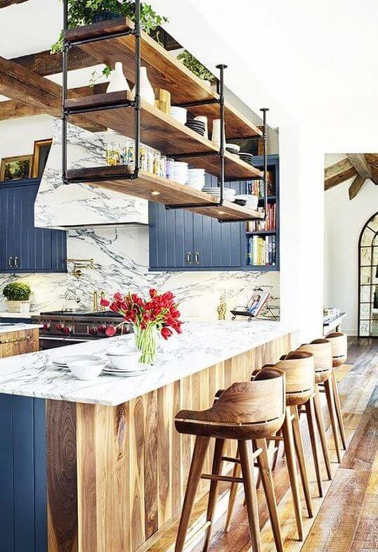 Landelijke keuken met keukenbar