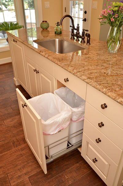 Vuilnisbakken in een lade voor perfecte keukenkastinrichting