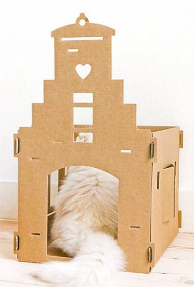 Kattenhuis van karton