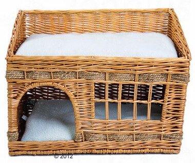 Kattenhuis met mand