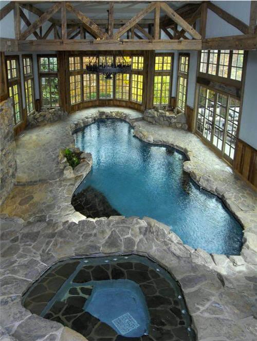 binnenzwembad-in-huis-steen