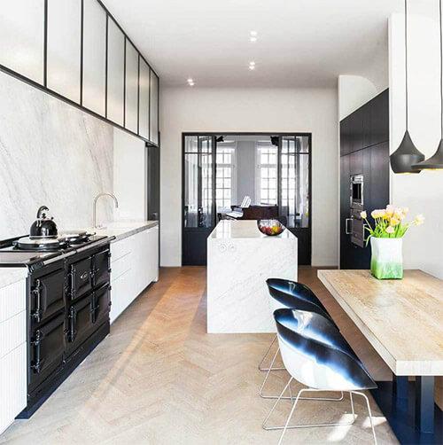 Zwart witte keuken