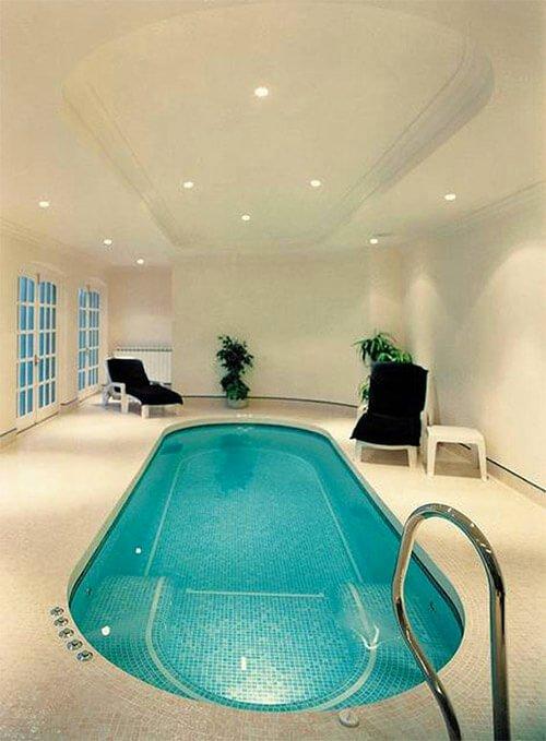 binnenzwembad-in-huis-ovaal