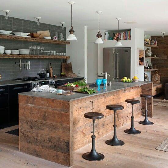 industriele keuken met houten bar