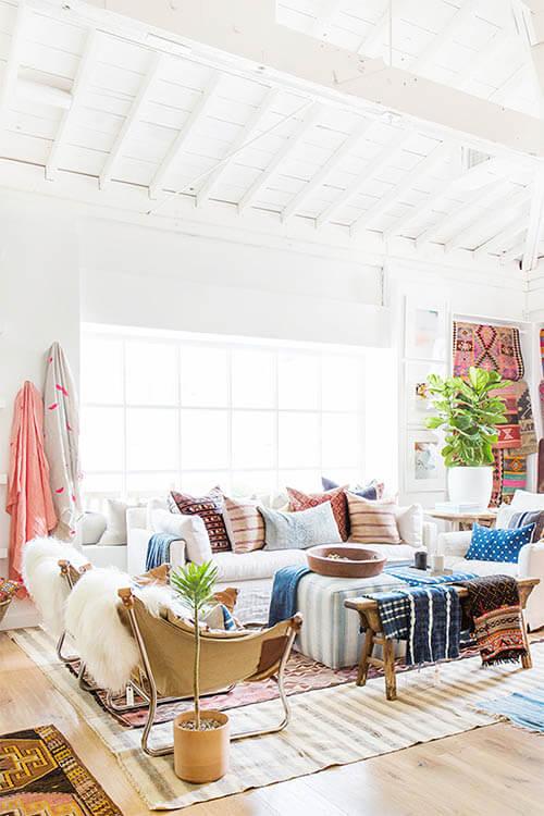 Kleur in huis: blauw en bruin accenten