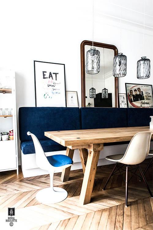 kleur in huis blauw en bruin contrast