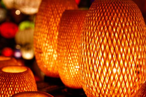 Houten lampen voor natuurlijke woonstijl
