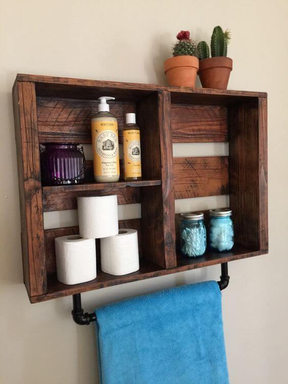 Landelijk badkamer muurkastje