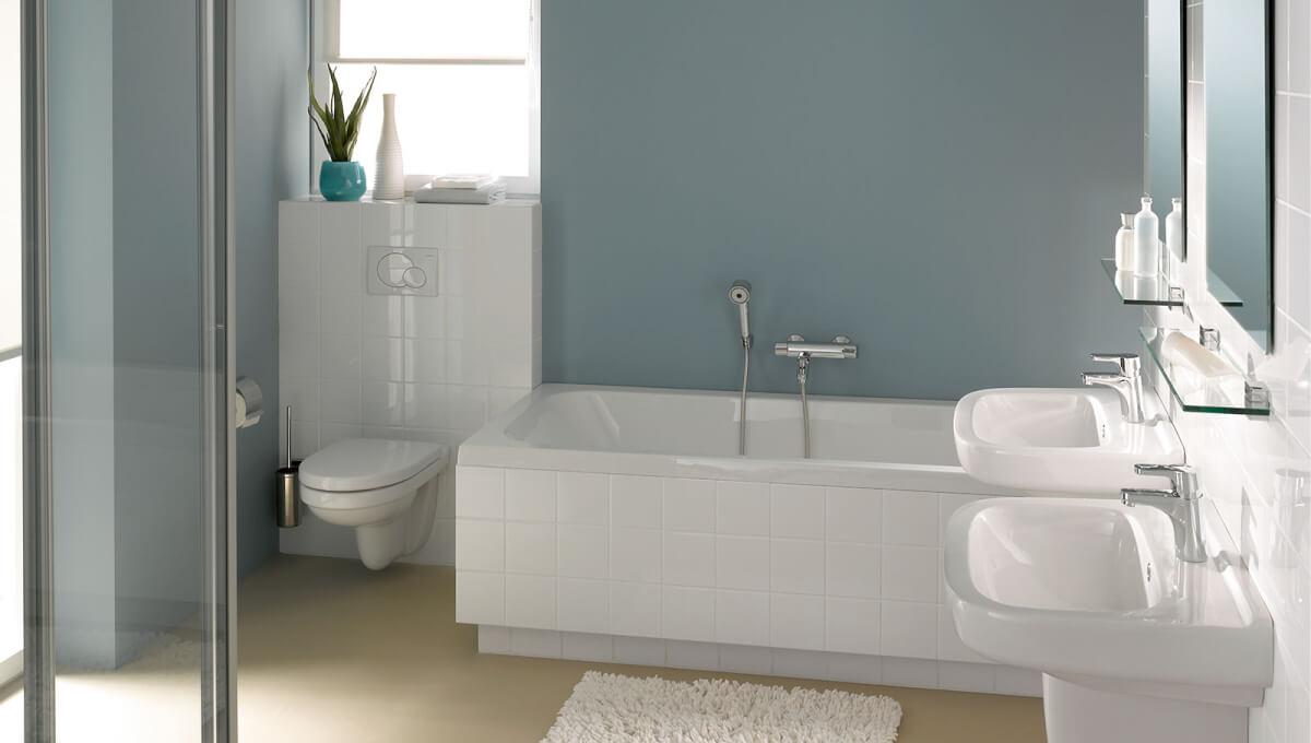 Eenvoudige klassieke badkamer