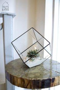 vierkante glazen stolp geometrisch