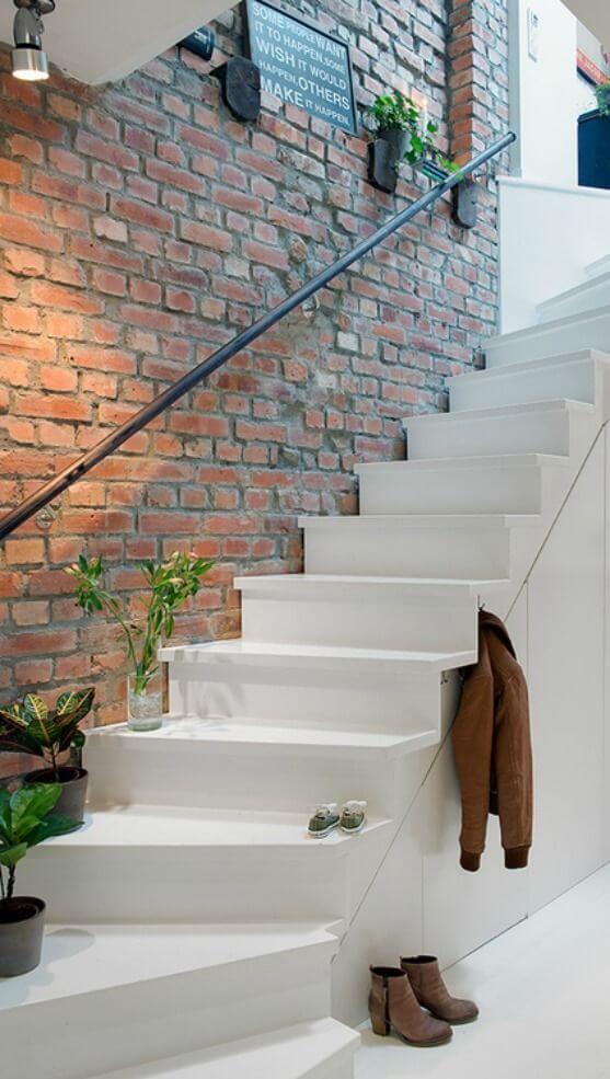 bakstenen muur trap