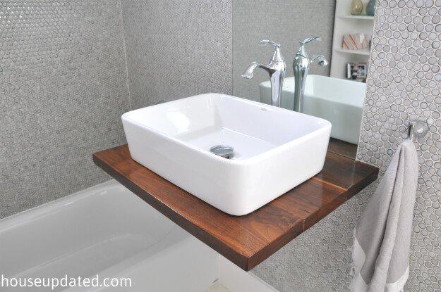 wastafel zwevende houten plank
