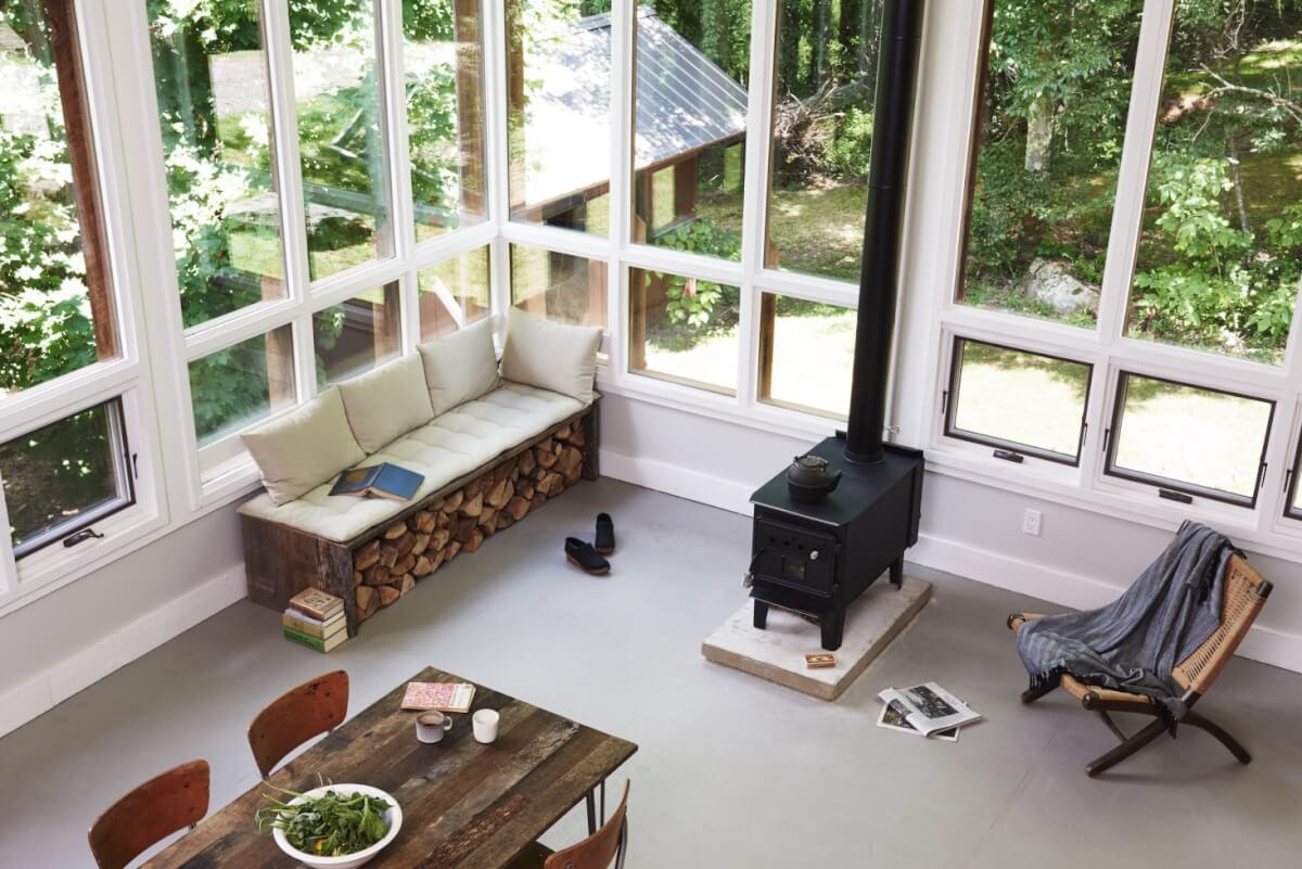 stijlvol houtstapel laten zien in huis