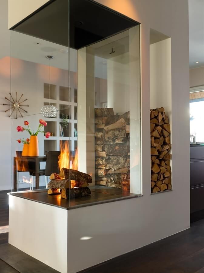 houtstapel modern interieur