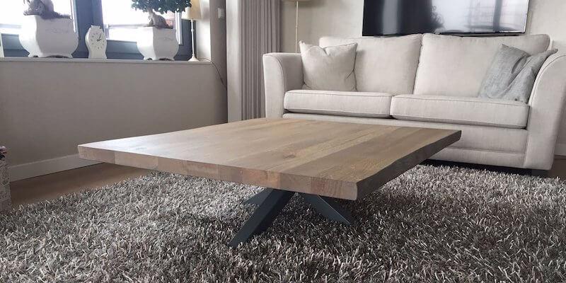 Rechthoekige houten salontafel met X-onderstel
