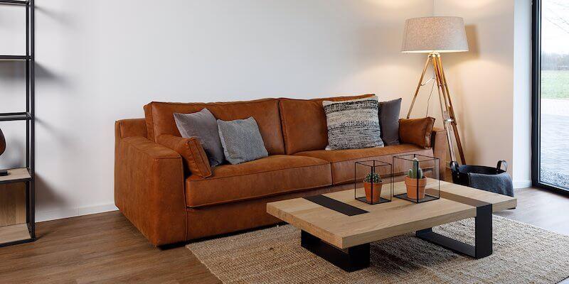 Moderne salontafel met S-constructie