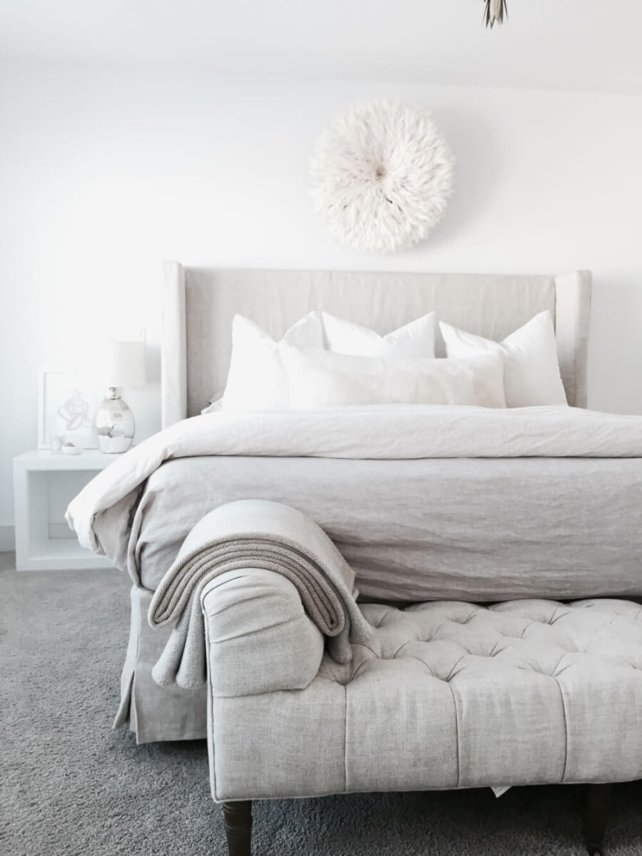 sofa bedeinde monochroom