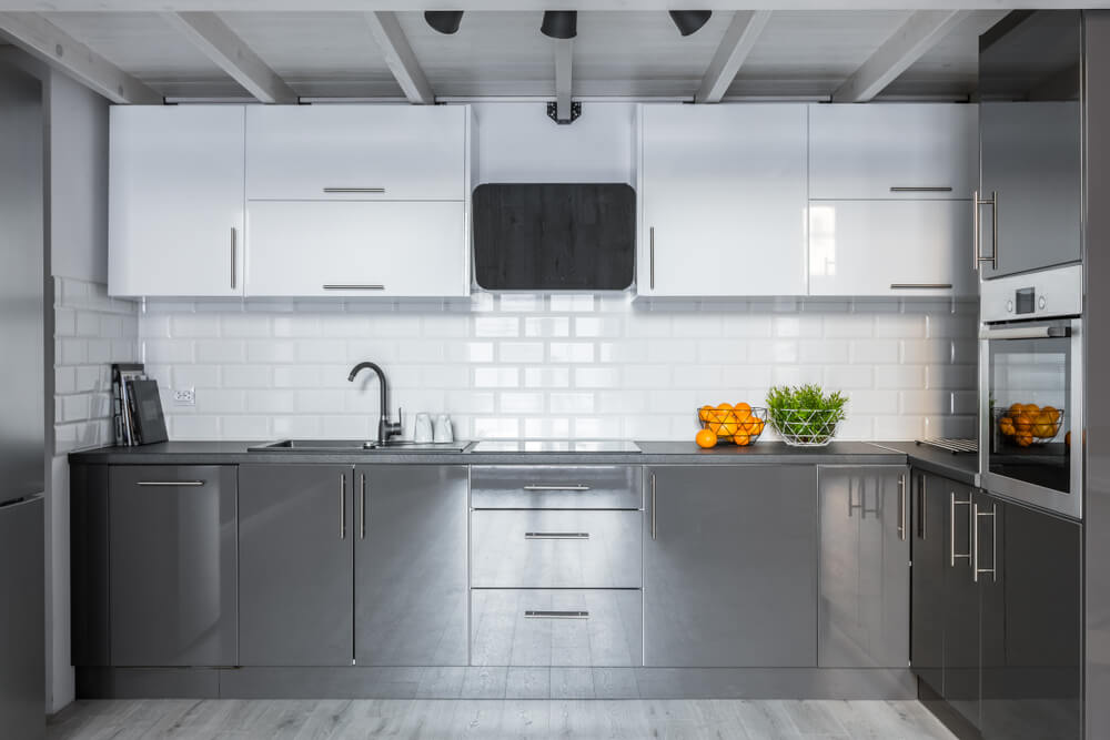 Industriele keuken met metro tegels