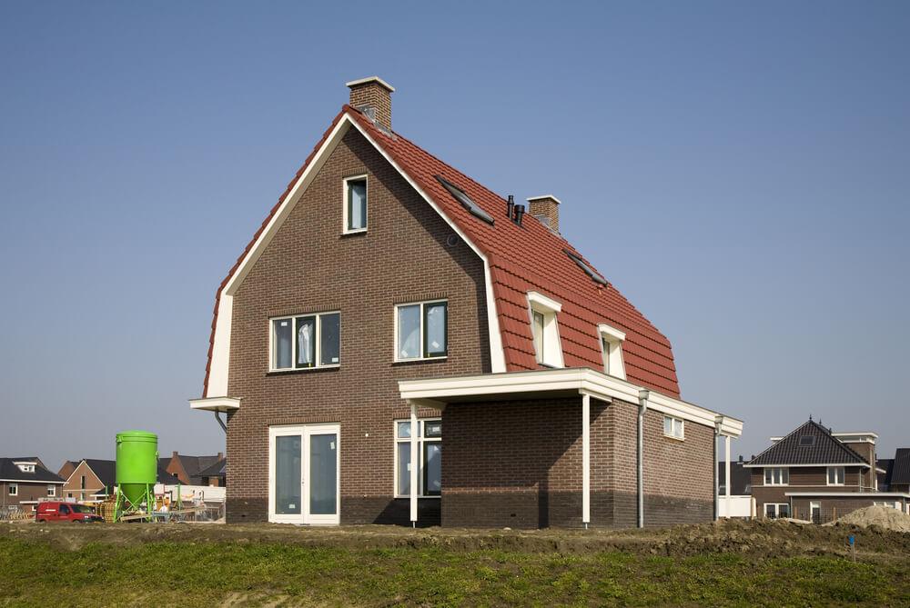 Huis met mansarde dak