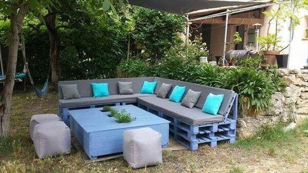 blauwe pallet loungeset tuin