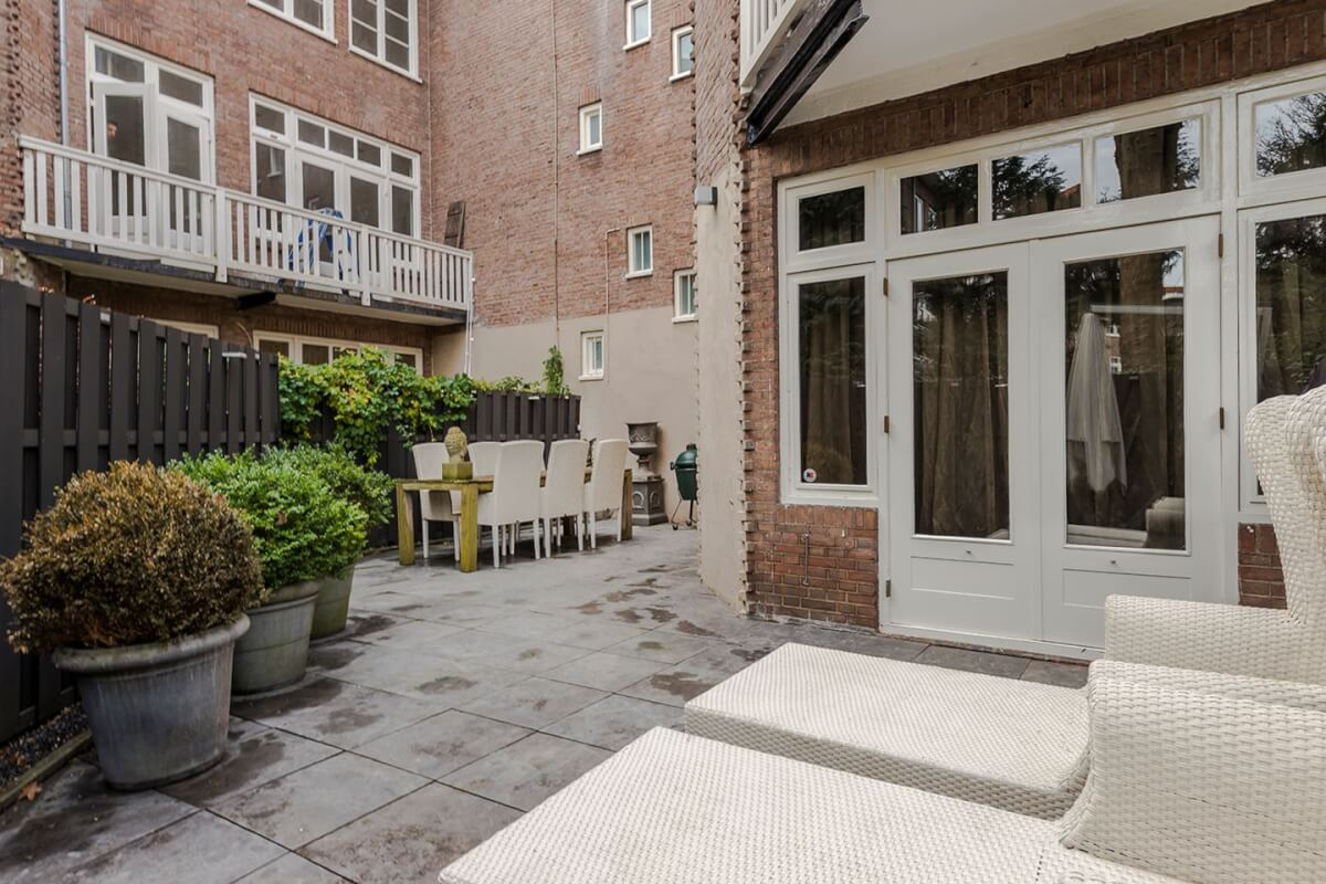 Amsterdam tuintje bij villa