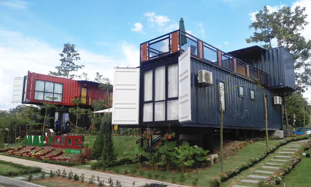 Containers op de heuvel