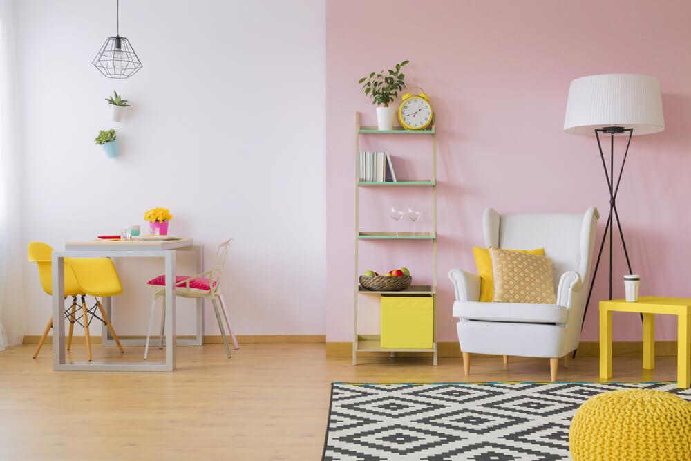 Roze muur modern