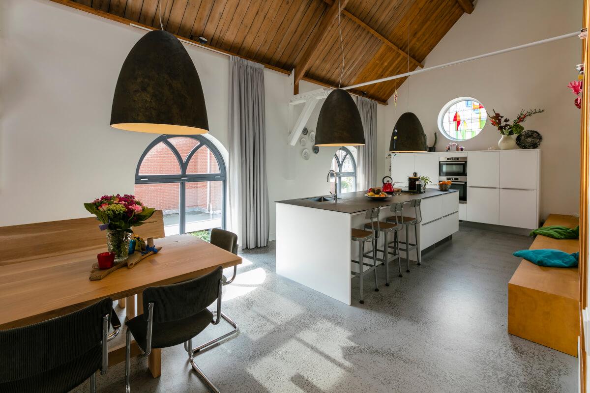 Moderne Kunst Keuken : Binnenkijken: keuken in een oud kerkgebouw ik woon fijn