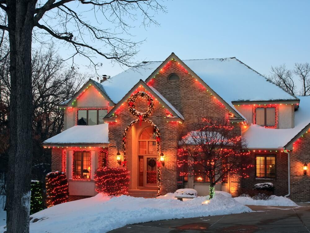 Dakgoten volgen met kerstlichtjes