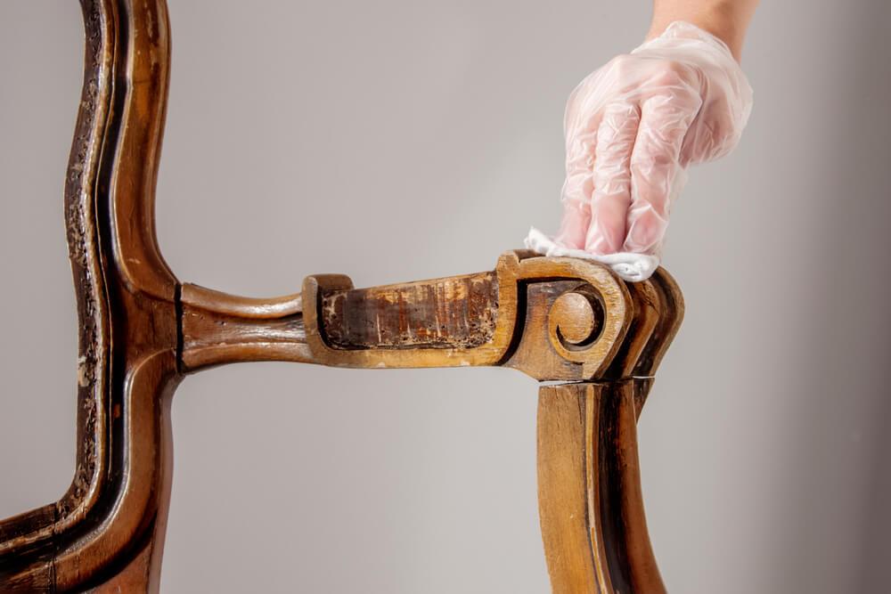 Houten meubels goed reinigen