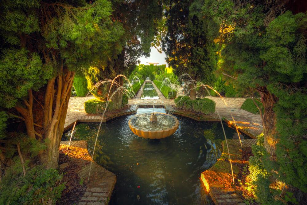 Waterornament in groot park