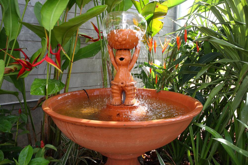 Grappig beeldje met fontein