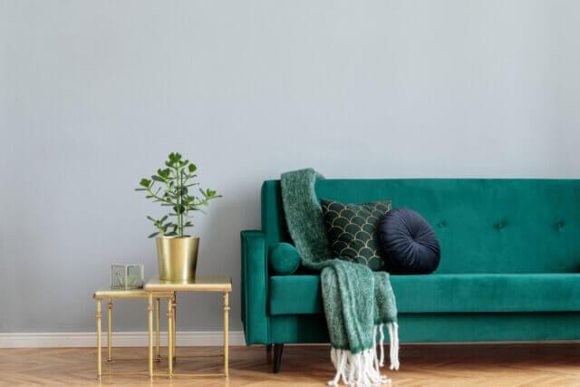 Prachtig en trendy: een velvet groene bank