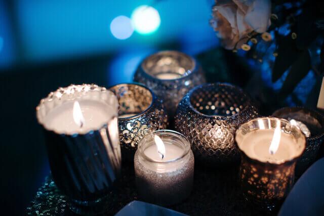 Goedkope woonaccessoires in huis: kaarsen mogen niet ontbreken!