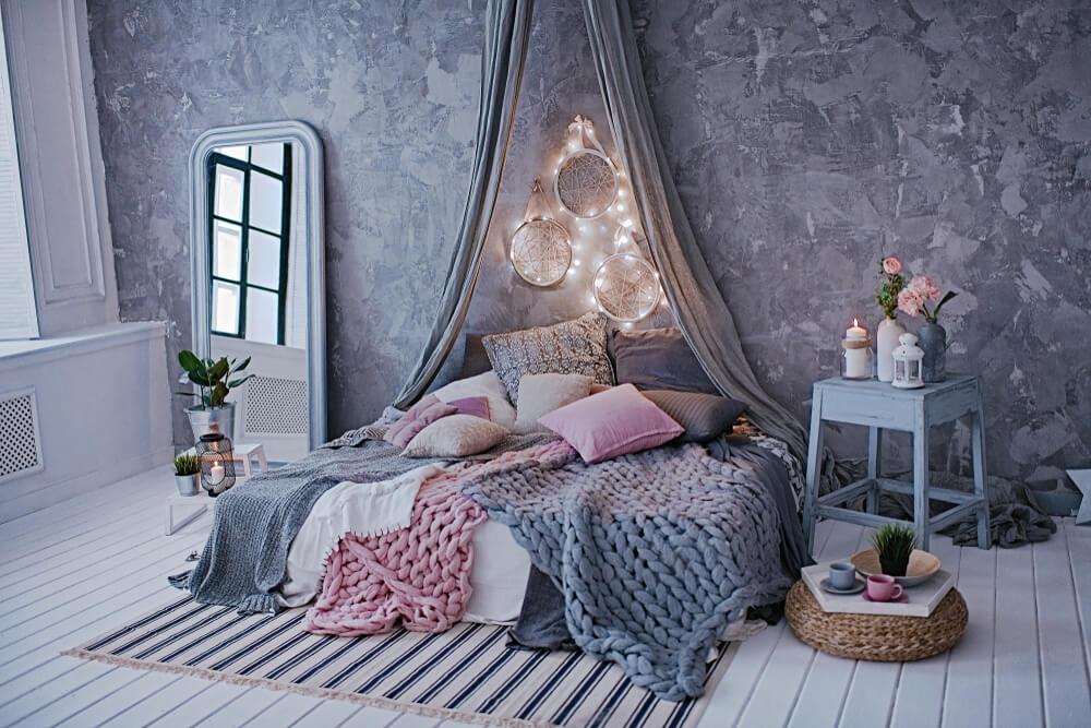 Met deze tips geef je je slaapkamer een romantische look