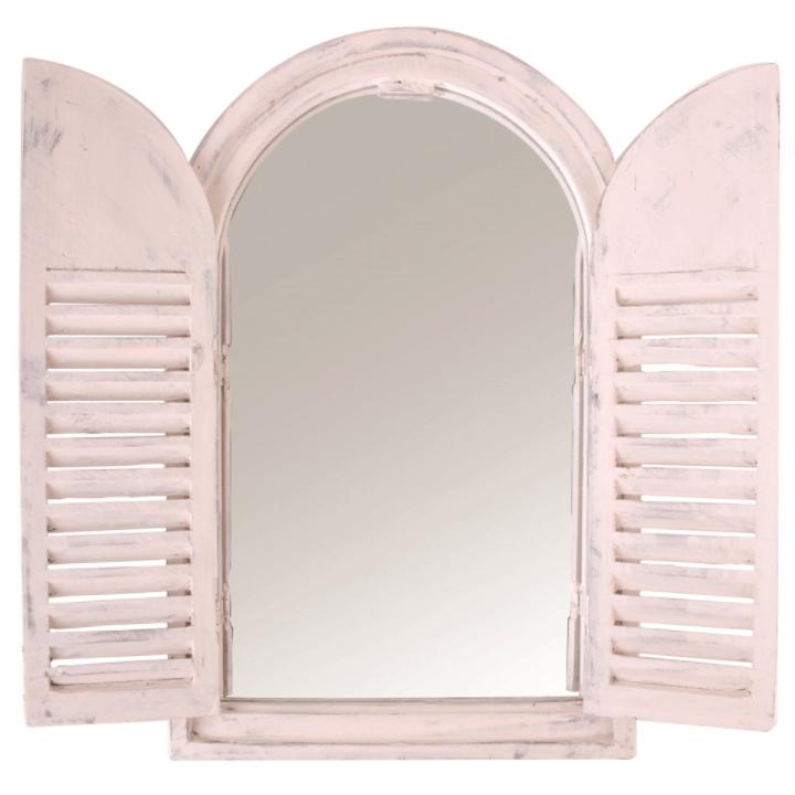 brocante roze tuinspiegel met houten deurtjes