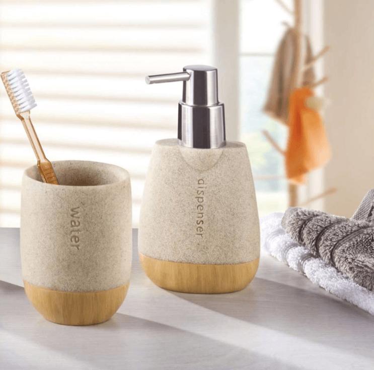 Badkamerset zeeppomp in modern design