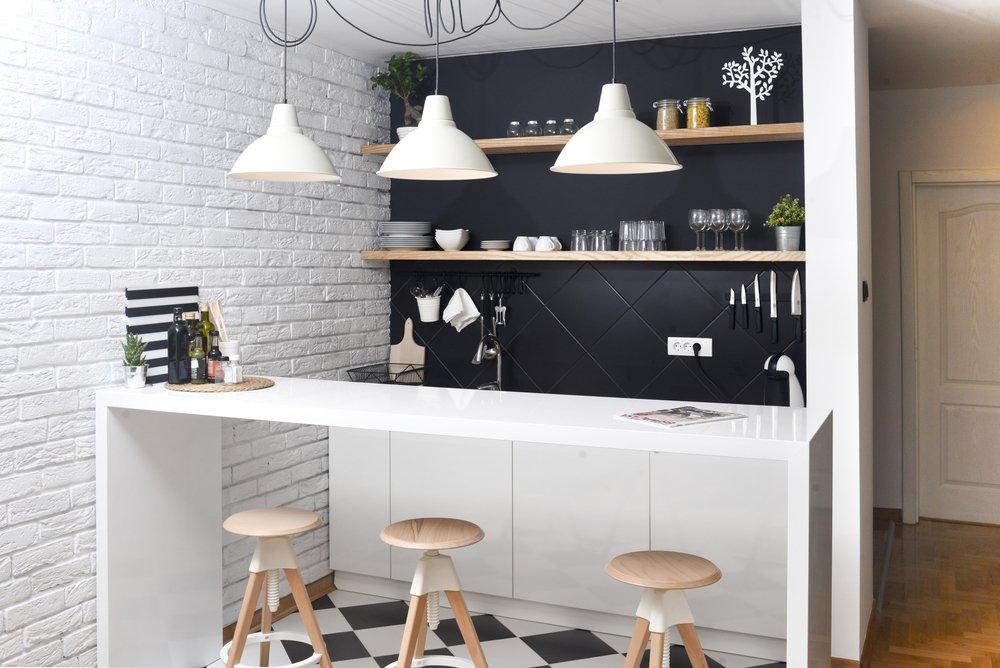Een minimalistische bar in de keuken