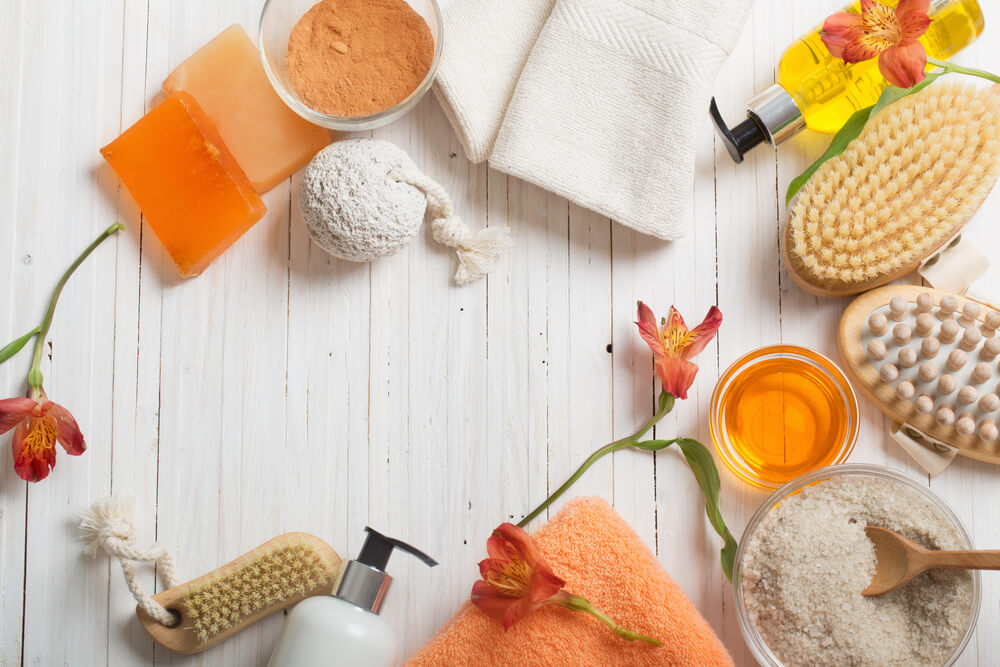Oranje in de badkamer: voorbeelden en inspiratie