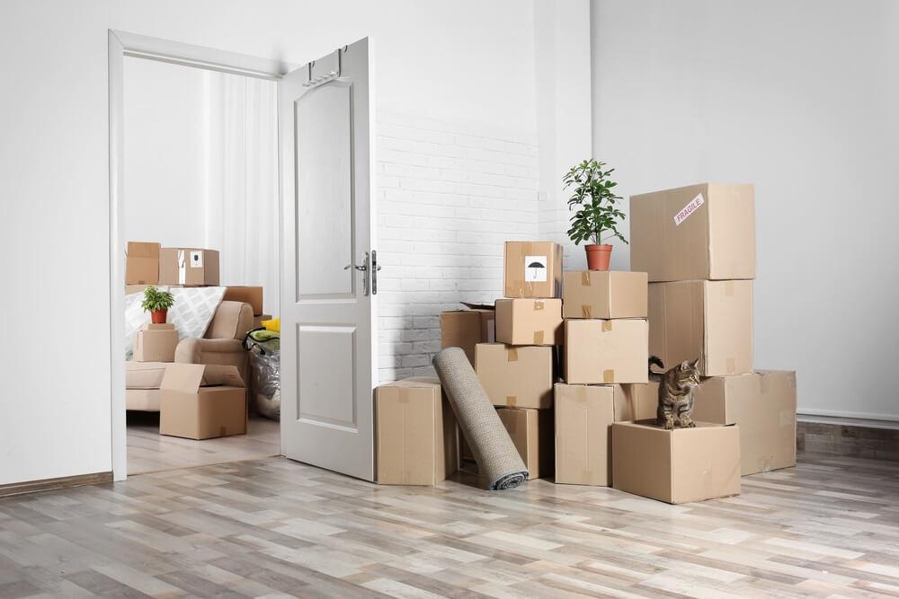 Zet alle verhuisdozen en meubels klaar