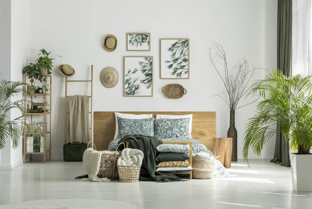 Wanddecoratie achter het bed: een collage