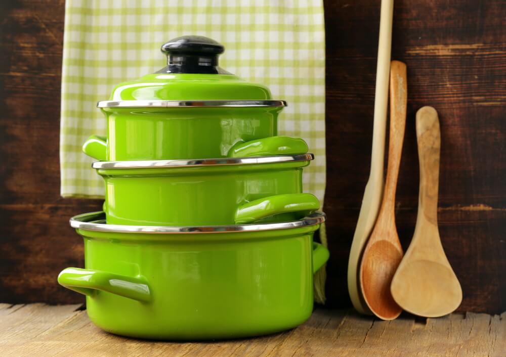 Een unieke groene keuken met groene keukenspullen