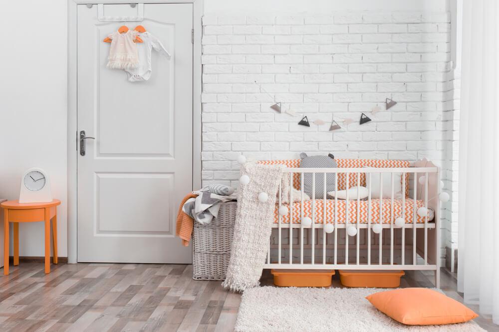 De woonkamer babyproof maken: 7 verschillende tips