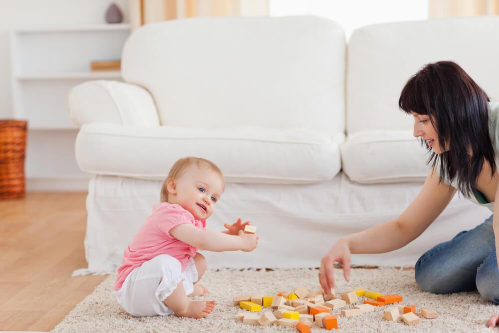 Woonkamer babyveilig en babyproof maken met onze tips