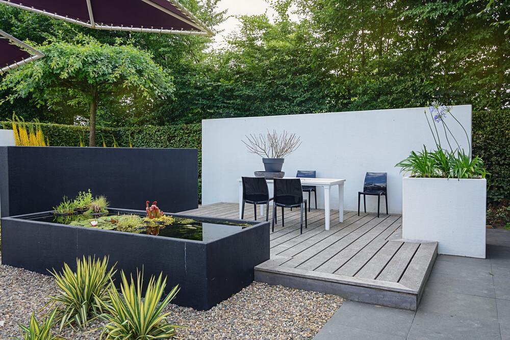 Eenvoud in de tuin: een strakke en moderne look met vlakken