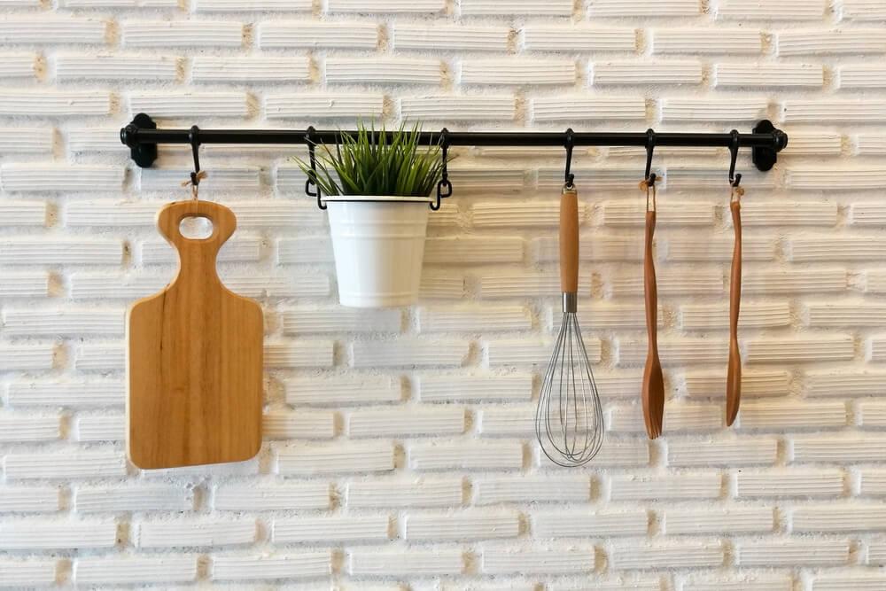 Meer groen in de keuken met hangplanten