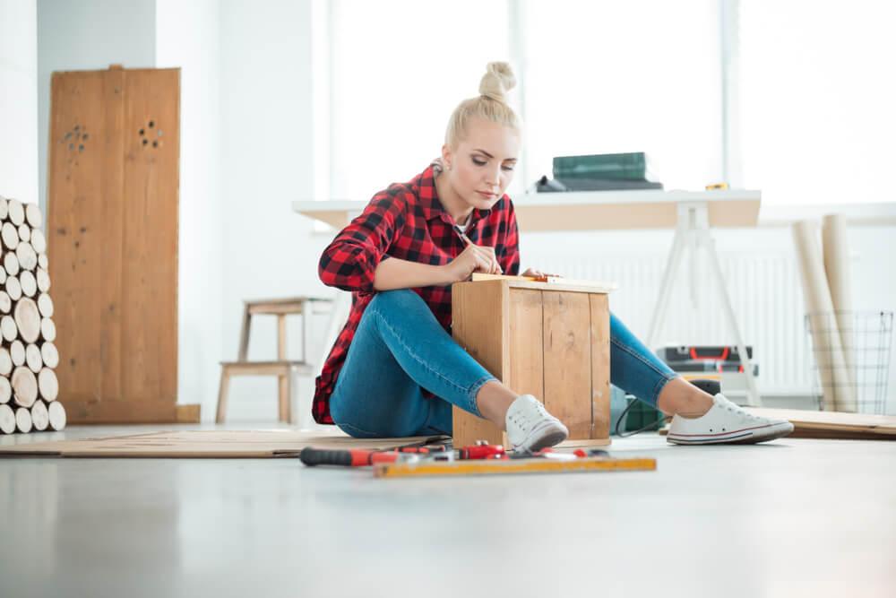 Met deze 5 tips geef je goedkope meubels een luxe uitstraling